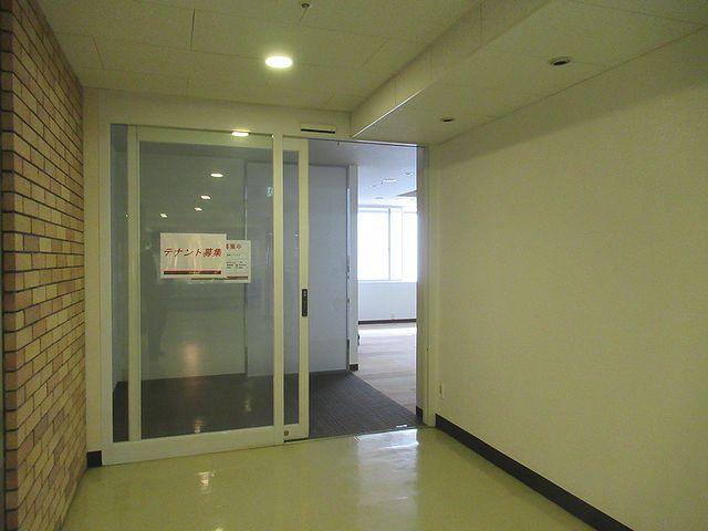 第2アメ横ビル店舗入口
