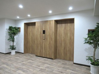 中2階エレベーターホール