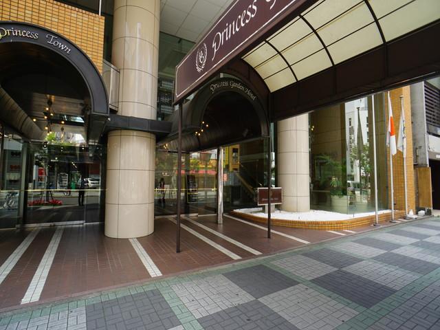 栄3 プリンセスガーデンホテル エントランス