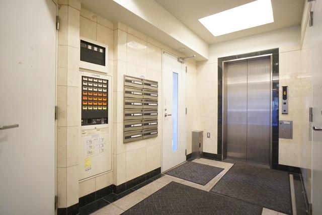 白川本町ビル3階(エレベーター)