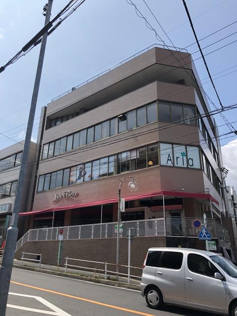 寿山ビル(玄関)