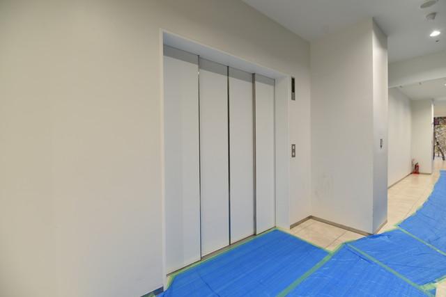 SAKAE PLACE 業務用エレベーター