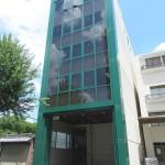 【エイテックイズミ1-2階:51.28坪】前面駐車可能。搬出入にとても便利な1-2階店舗・事務所です。高速へのアクセス良好!