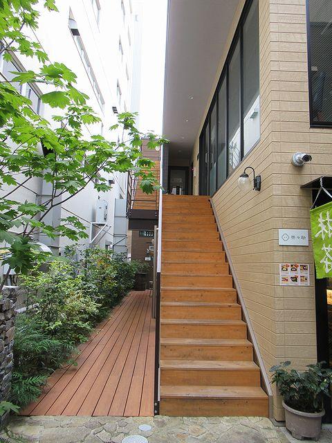 2階店舗への階段